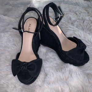 Never worn ALDO peep toe wedges!